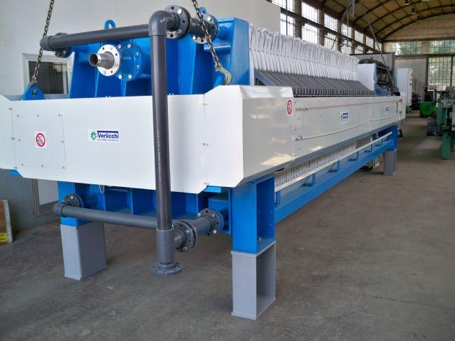 » VERLICCHI SRL fornisce un filtro 1500x1500 con 62 piastre in Calabria